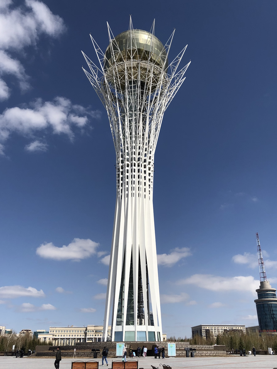 カザフスタン アスタナのバイテレク