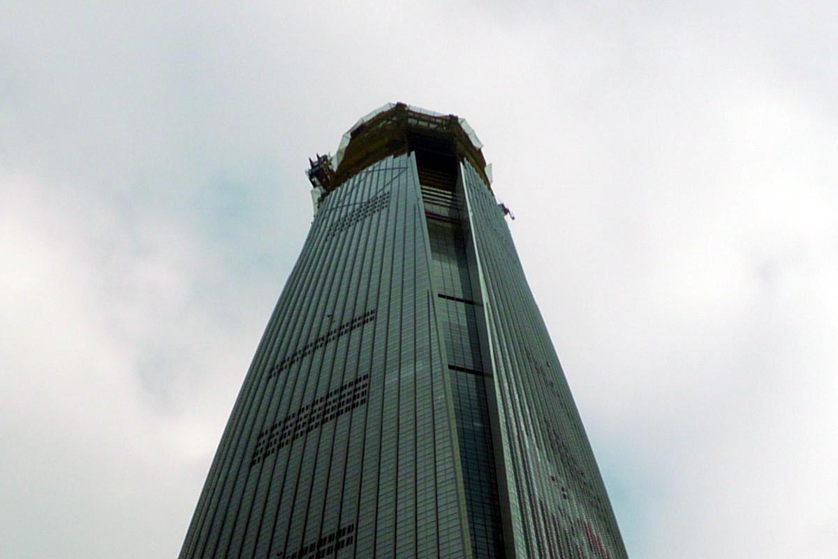 建設中のロッテワールドタワー