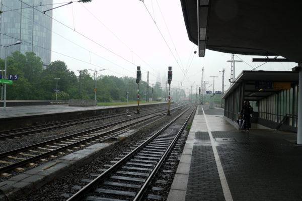 ケルン中央駅よりも規模は小さい。
