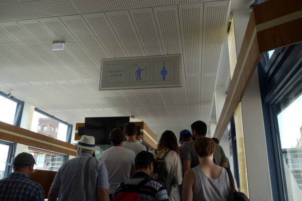 ベルリンテレビ塔 渡り廊下