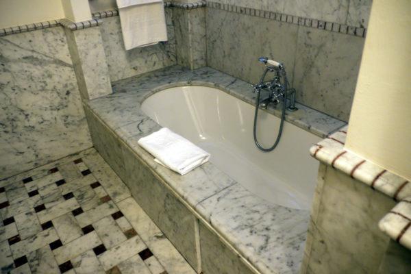 QCTerme 部屋のバスルーム