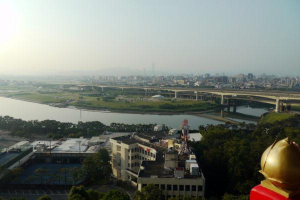 グランドホテル台北から台北101を望む